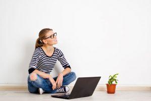 Jak bezpiecznie pożyczać przez internet?
